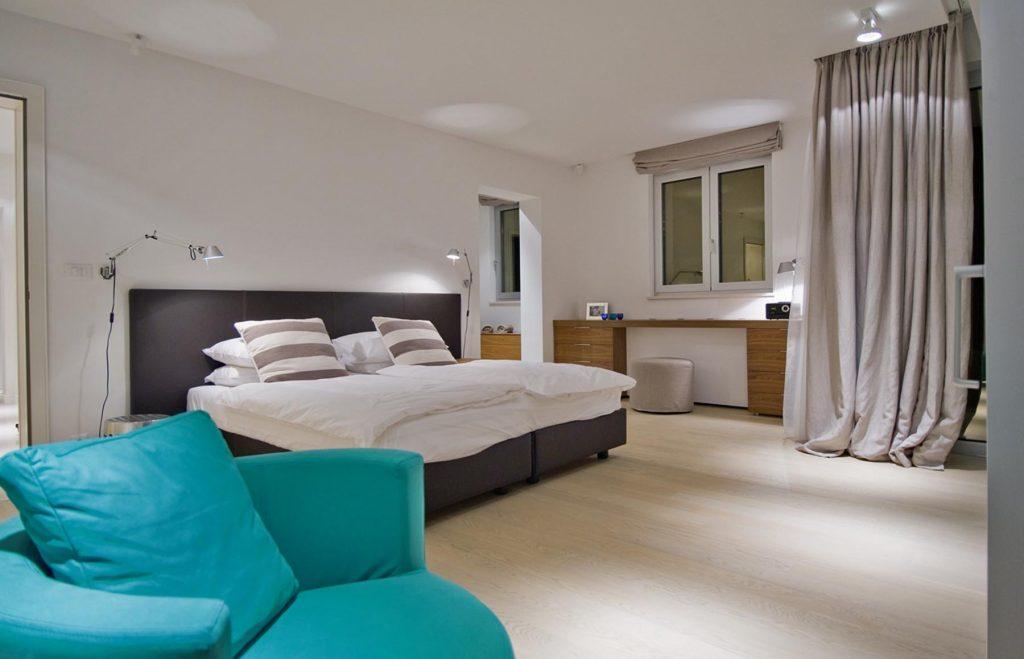 Croatia_Dalmatia_Villa-Portico_Bedroom9