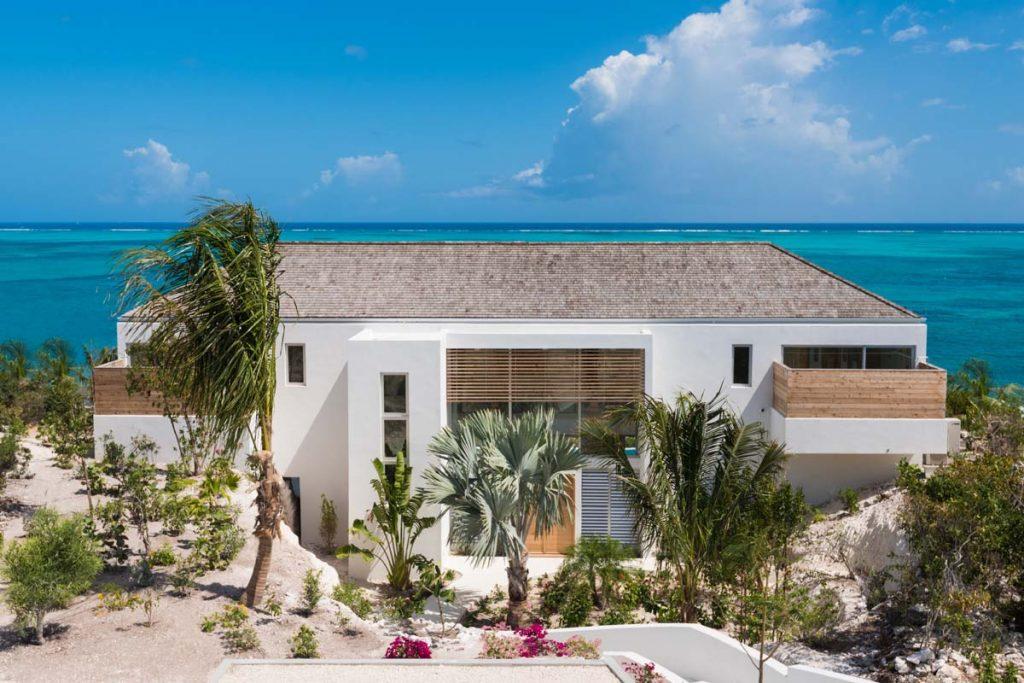 Beach Enclave North Shore 3 Beachfront Villa