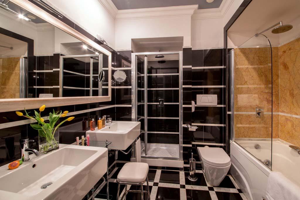 Condotti View Apartment
