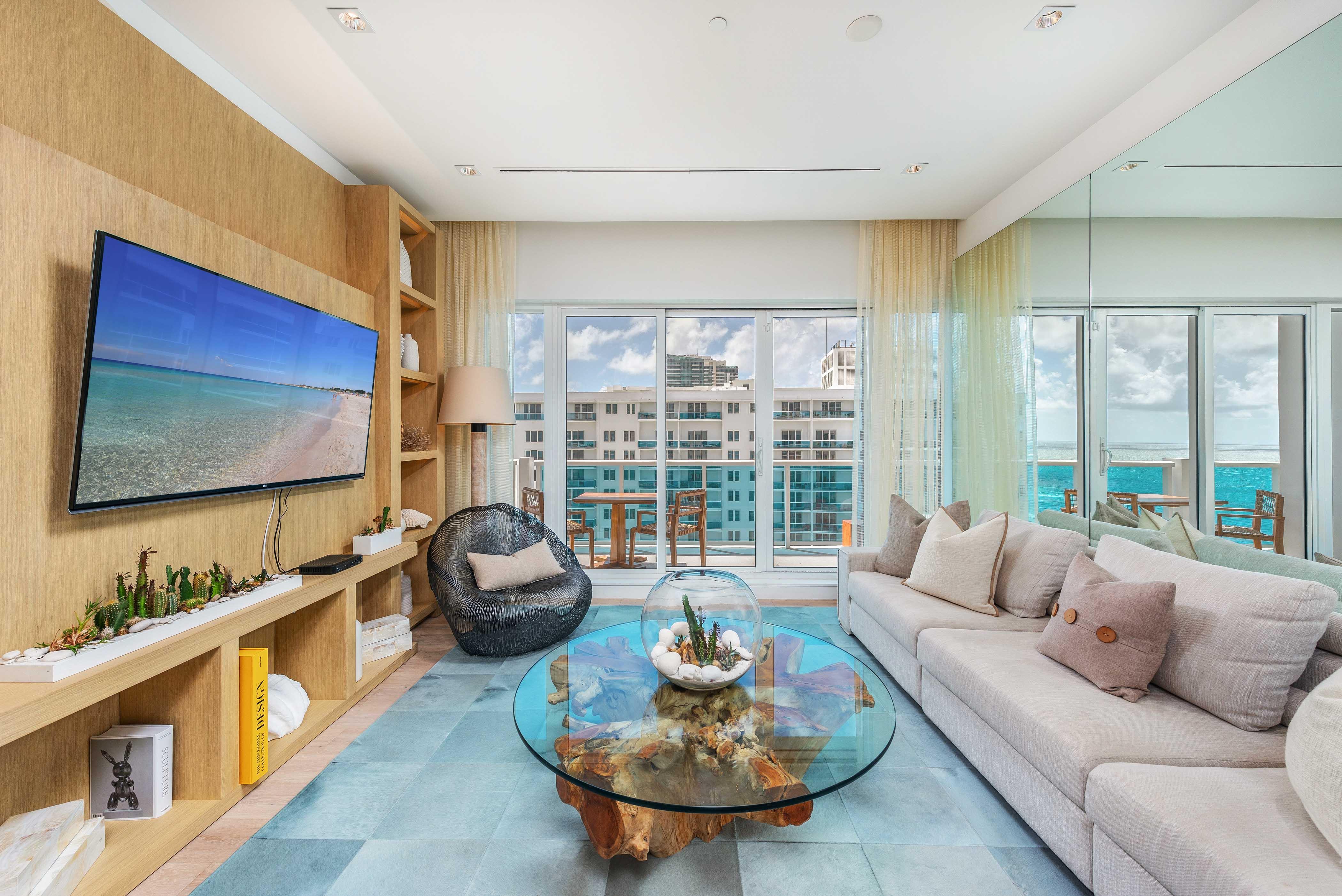 Luxury Residence 1606