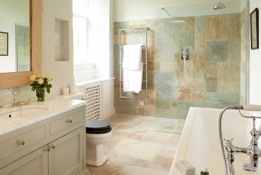oxfordshire manor bathroom
