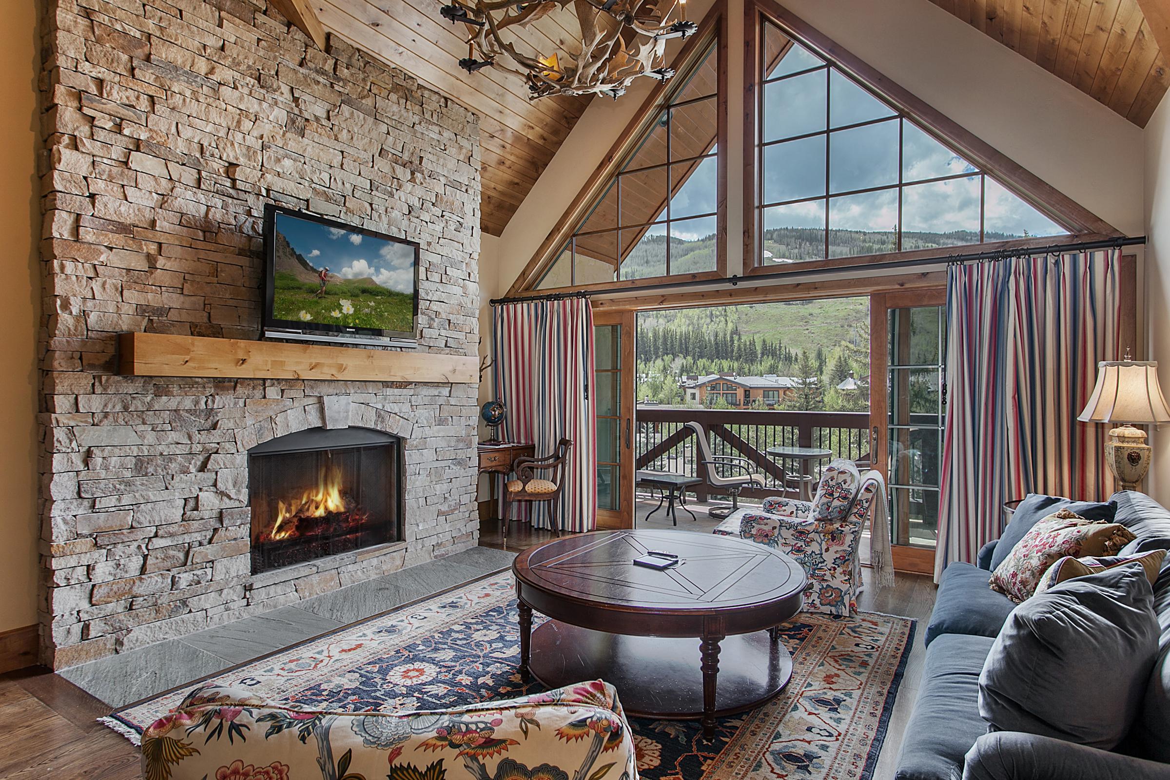Mountain View Residence 405