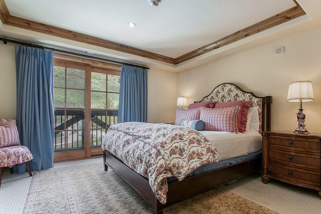 mountain view residence # 405